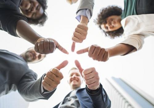 צוות סי וי פול ג'וב נינג'ה מציג: סינון מועמדים בתהליך חיפוש עובדים וההשפעה על שימור העובדים.