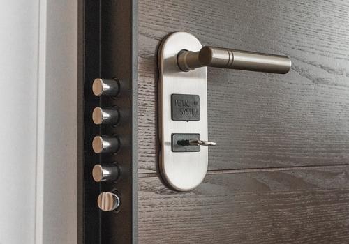 תקלות בדלת - תקלות נפוצות ואיך נתקן אותם?
