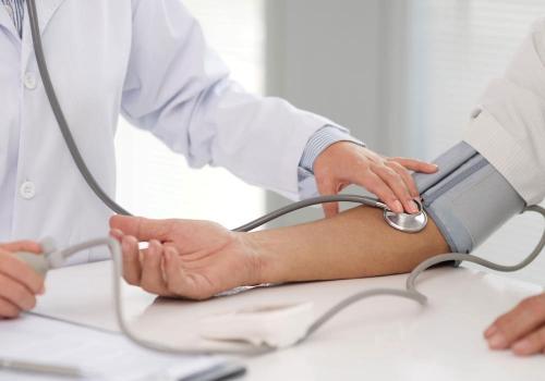 איך למנף את הידע של רופא מומחה באינטרנט בעזרת אתר מקצועי